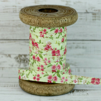 9mm Pale Green Floral Grosgrain Ribbon - 5 Metres - Full Roll
