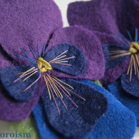 PANSY Brooch in Purple and Violet -  felt brooch boutonierre