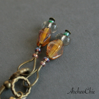 LATUNO V - honey rhomb and opalescent beads earrings