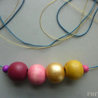 Trendy Gold YELLOW and PINK wooden beads necklace