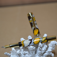 Hand made Acrylic Fountain Pen together with a presentation box