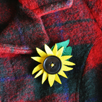 Sunflower brooch, Yellow green flower, Felt brooch, Quirky brooch, Small gift