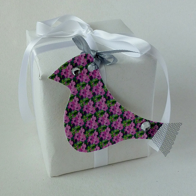 Gift tags, birds, flowers, pink