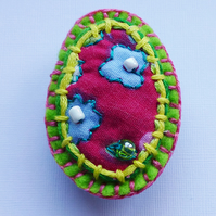 Brooch pin, oval, flowers & beads, Beth