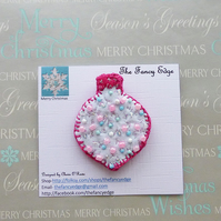 Brooch - Christmas Bauble pin