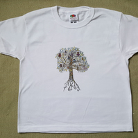 Owl Tree printed T shirt age 5-6 years