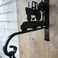 "WROUGHT IRON ""FRAMER"" HANGING BRACKET"