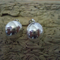 Leaf Print Domed Studs