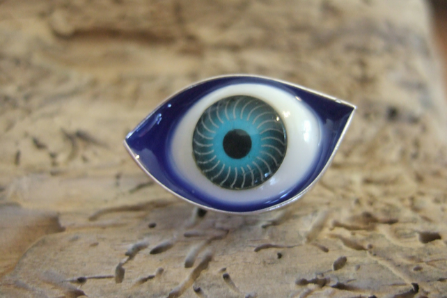 Eye Lapel Pin No. 1