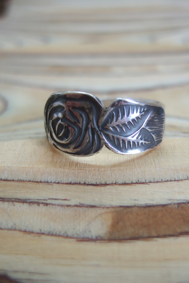 Stereling Silver Rose Print Ring