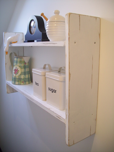 LARGE 74CM X 45CM CM SHABBY WHITE KITCHEN SHELVES, SHELVING UNIT.