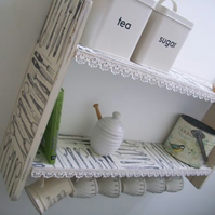 LARGE 74CM X 45CM CM SHABBY WHITE VINTAGE KITCHEN SHELVES, WITH LACE & CUP HOOKS