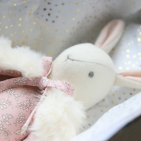 Custom Heirloom Rabbit and additional clothing for Catriona