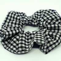 Black gingham print hair scunchie handmade pony tail elastic