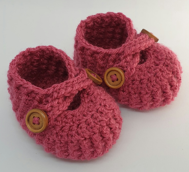 Raspberry pink baby booties crochet baby shoes