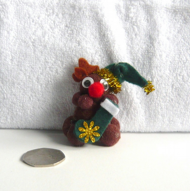CHRISTMAS Pom Pom Reindeer With Christmas Stocking Decoration.