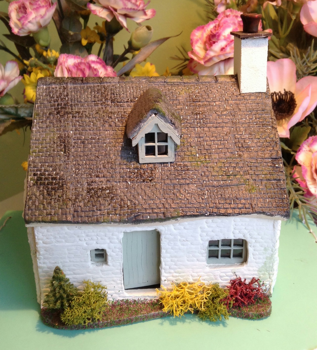 One forty eighth, dolls house,miniature, cottage,