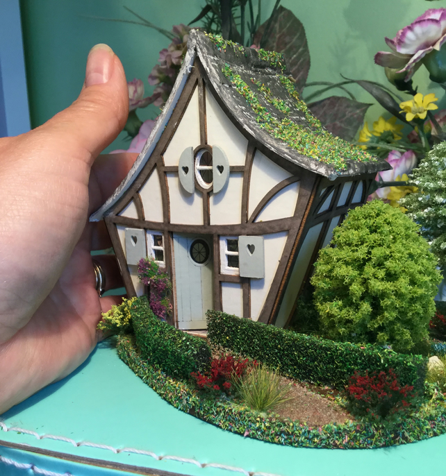 48th, enchanted dolls house with garden