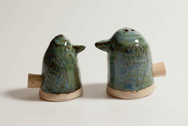 Ceramic salt and pepper pots folksy Salt n pepper pots
