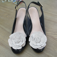 Pair of cream shoe flowers, leather flower shoe clips, ivory shoe clips