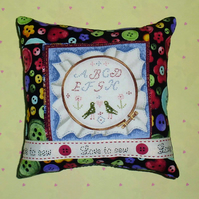 Pincushion - Cross Stitch and Love to sew