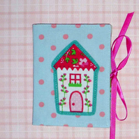 Needle case - Quirky house
