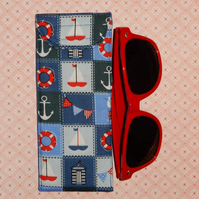 Glasses case - nautical boats bunting