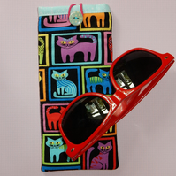 Glasses case - Bright coloured cats