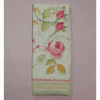 Glasses case - Floral and lace