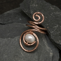 Pearl Statement Copper ring ,hammered and textured copper wire ring, copper rin.