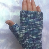 Fingerless Gloves: Iris