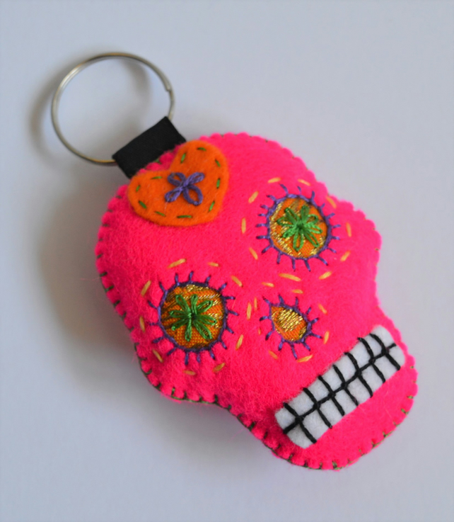Shocking Pink Sugar Skull Felt Stuffy Keyring