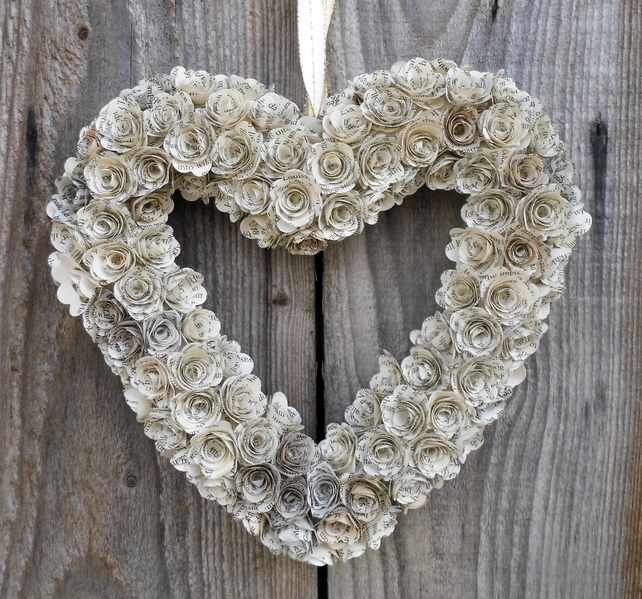 20cm  Handmade Heart Book Paper Flower Wreath