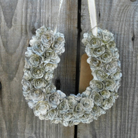13cm Handmade Horseshoe Book Paper Flower Rose Wreath - Hanging Decoration