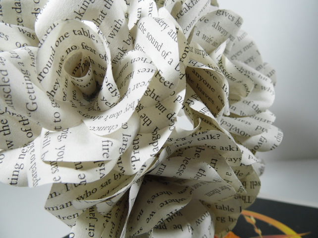 6 x the hunger games book page paper flowers roses folksy 6 x the hunger games book page paper flowers roses mightylinksfo