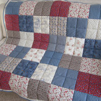 Vintige Style Patchwork Lap Quilt - Throw