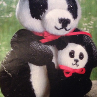 Mummy and Baby Panda Kniitting Pattern