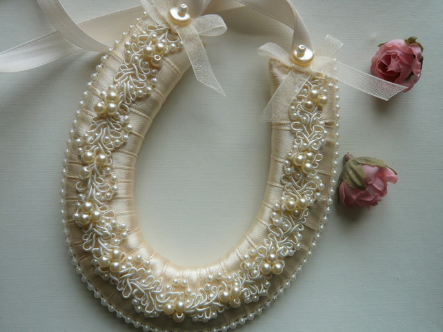Small Cream Wedding Horseshoe