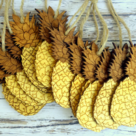 100 pineapple wedding favours, rustic summer wedding decor