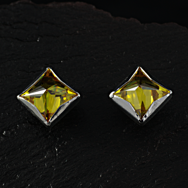Sterling and fine silver, square, citrine coloured CZ stud earrings. (074C)