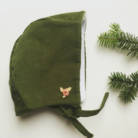 Green embroidered cord bonnet