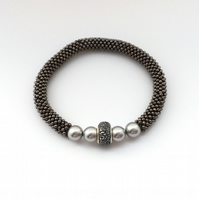 Grey Pearl & Gunmetal Grey Snowflake Beaded Bracelet