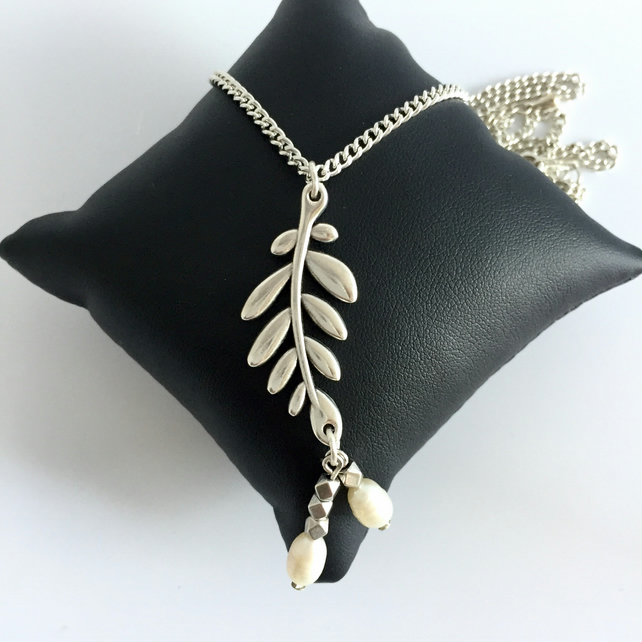 Silver Plated Chain Necklace with Leaf and Freshwater Pearl Drop