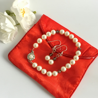 Swarovski Cream Pearl & Grey Crystal Bracelet and Earrings Set