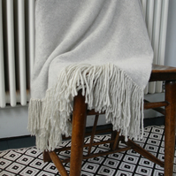 Throw blanket - runner - knitted in lambswool - grey with fringe