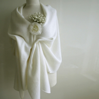 Bridal Wrap Supersoft Geelong Lambswool