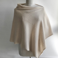 Lambswool Poncho knitted in Wool Colour Palest Caramel