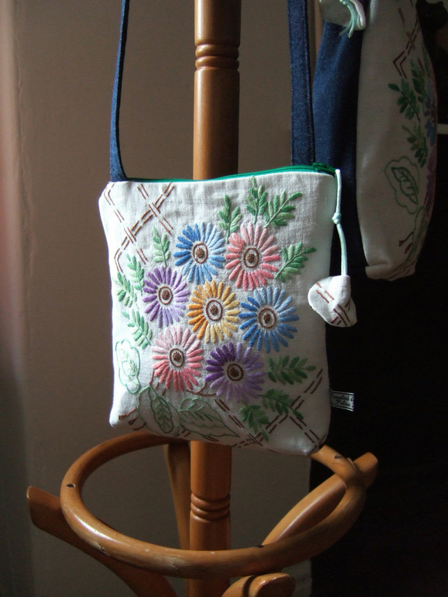 Vintage floral embroidery across your body zip up bag