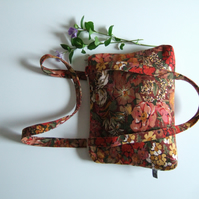 Vintage Liberty fabric shoulder bag with chunky zip.