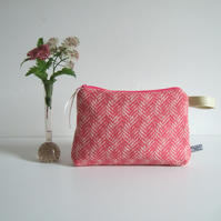Vintage pink tweed woollen makeup bag, purse, or toiletries bag.